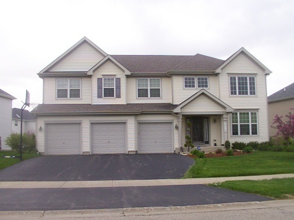 475 BLUE HERON CIRCLE BARTLETT, IL 60103